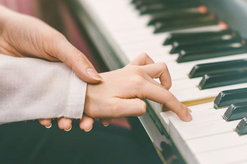 Ve volném čase se učíme třeba anglicky nebo hrát na hudební nástroj.